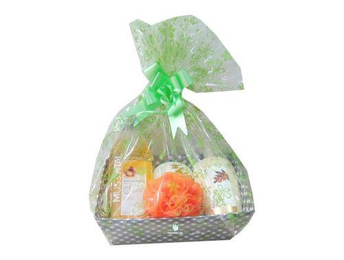 Cesta regalo Mussvital con productos de higiene