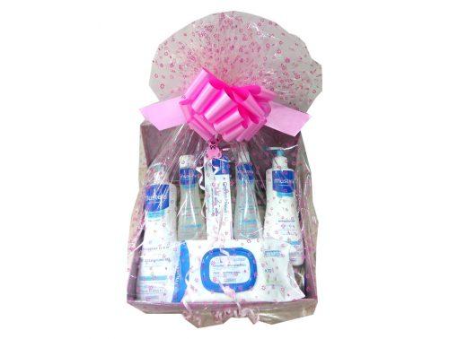 Cesta regalo de Mustela con 6 productos para la higiene del bebé